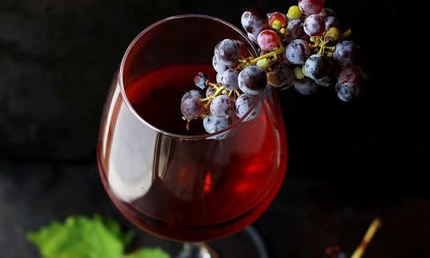 Os principais defeitos identificáveis num vinho